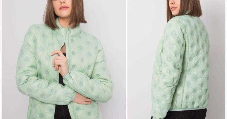 Демісезонні жіночі куртки — яку краще обрати?