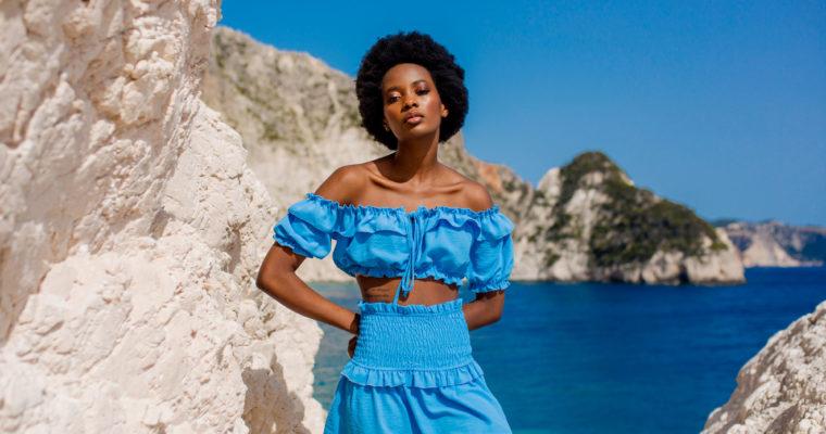 Голубий колір у стилізаціях на літо – спробуйте!